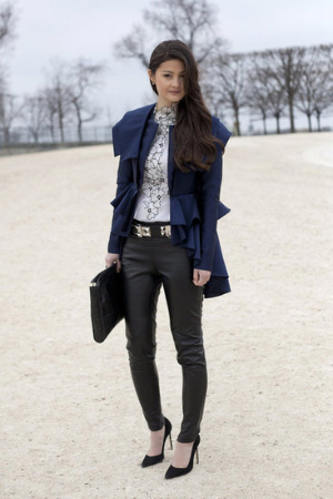 what-to-wear-to-fashion-week-leather-pants-blouse-pumps-clutch-jacket