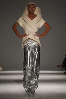 Gareth Pugh AW 14-15  Paris Fashion Week Photo via Now Fashion