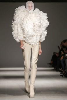 Designer Gareth Pugh  AW 14-15 Collection ( Photo via Now Fashion)