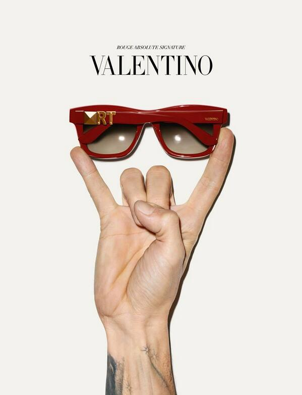 Sunglasses Valentino ( photo via Valentino)