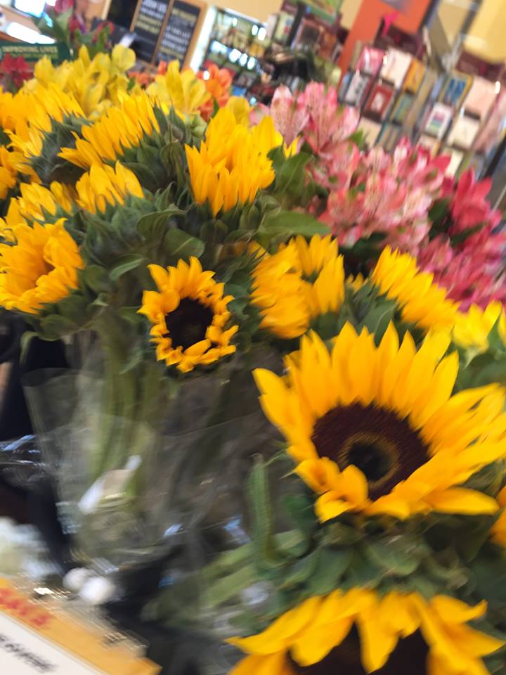 Bites of Style: Sunflowers  from Whole Foods