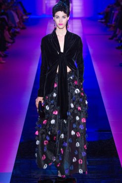 armani-prive-couture-fall-2015-15